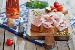 Pão e Mortadella fotos de stock