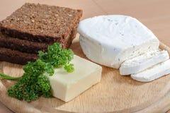 Pão e queijo Imagens de Stock Royalty Free