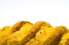 Pão francês com milho no fundo branco fotos de stock royalty free