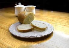 Pão francês na placa Imagem de Stock