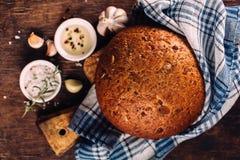 Pão fresco e especiarias Imagens de Stock