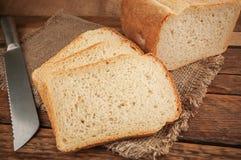 Pão fresco e friável fotografia de stock