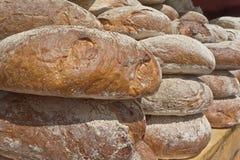 Pão fresco no contador Imagens de Stock Royalty Free