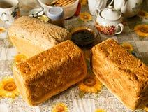Pão integral caseiro foto de stock
