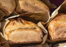 Pão integral cozido fresco foto de stock