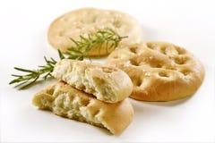 Pão liso de Focaccia com _2 dos alecrins Imagens de Stock
