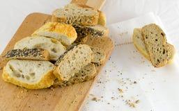 Pão na tabela Imagens de Stock