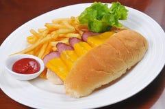Pão, presunto e batatas fritas Fotografia de Stock