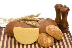 Pão, queijo, especiarias Imagens de Stock Royalty Free