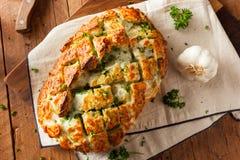 Pão separado da tração de queijo caseiro Imagem de Stock Royalty Free