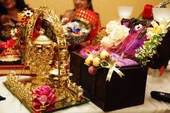 Pão tradicional do alimento do casamento no close up bonito da cesta Fotografia de Stock