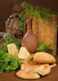 Pão, vinho e hortaliças Foto de Stock