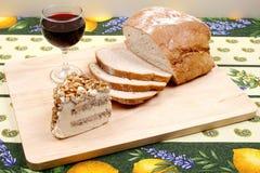 Pão, vinho e queijo Imagens de Stock Royalty Free