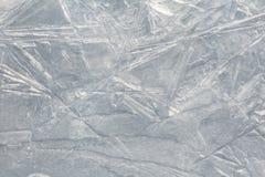 pęknięte lodu Zima wzory na lodowej wodzie obrazy stock