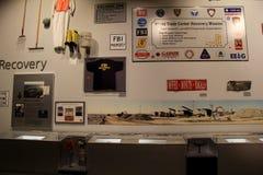Pädagogische Ausstellung von verschiedenen Einzelteilen stellte nach dem 11. September, Landesmuseum, Albanien, NY, 2016 wieder h Stockbild