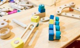 Pädagogisches Blockspielzeug des Technik-Baus Stockbild