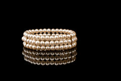 Pärlemorfärg armband Royaltyfri Bild