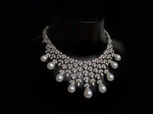 Pärlemorfärg halsband royaltyfria foton
