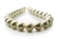 Pärlemorfärg halsband arkivbild