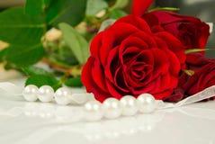 pärlor steg Royaltyfri Bild