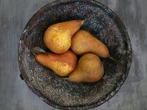 Päron i skråla Royaltyfri Fotografi