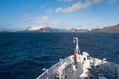 På däcket av shipen i Antarktis Royaltyfria Bilder