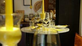 På den lilla italienska restaurangen Royaltyfri Fotografi