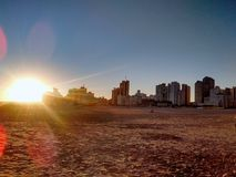 På den Quequen stranden arkivbilder