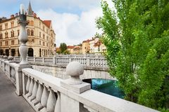 På den trefaldiga bron i Ljubljana Fotografering för Bildbyråer