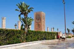 På det minnes- komplexet på platsen av fördärvar av moskén Hassan rabat morocco Arkivbilder