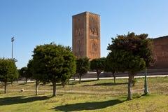 På det minnes- komplexet på platsen av fördärvar av moskén Hassan rabat morocco Arkivfoton