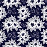 Seamless marinblått mönstrar med vitblommor vektor illustrationer