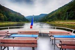 på fartyget på Elbe River royaltyfria foton