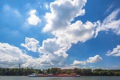På flodRhen royaltyfri fotografi