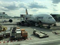 A380 på flygplatsen i Frankfurt Fotografering för Bildbyråer