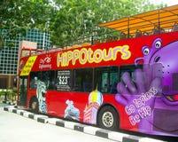 På-flygtur för sightbussflygtur av i Singapore, Asien royaltyfria bilder