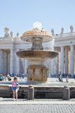 På fyrkanten av St Peter vatican Arkivfoto