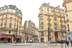 På gatorna av Paris. fotografering för bildbyråer