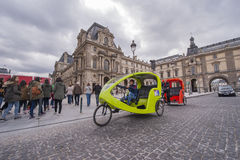 På gatorna av Paris Royaltyfri Fotografi
