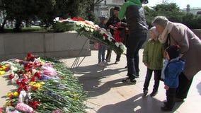 På graven av den okända soldaten i Sofia i Bulgariensjälvständighetsdagen arkivfilmer