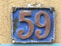 59 på grungehusplattan Arkivfoton