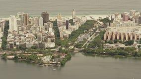 På hög nivå sikt Lago de Rodrigo Freitas Lagoon lager videofilmer