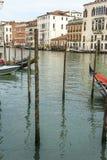 På kanalerna av Venedig Fotografering för Bildbyråer