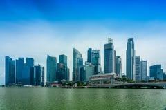 På Marina Bay promenad arkivfoto