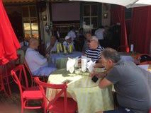På restaurangen Tatyana On Brighton Beach arkivbilder