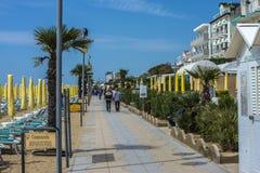 På semester i Lido di Jesolo (på stranden) Arkivbild