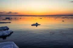 Is på solnedgången Arkivbild