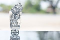 Is på tabellen fotografering för bildbyråer