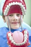 På tandläkaren Fotografering för Bildbyråer