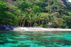 På tropisk Filippinerna för en ö Fotografering för Bildbyråer